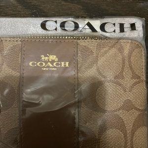 Coach Bags - BRAND NEW Coach Wristlet